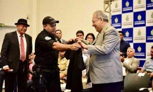 Amazonino abre curso para  228 novos policiais civis