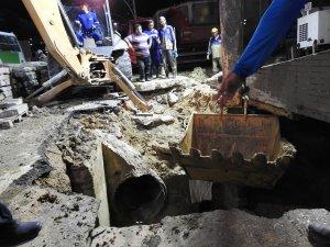 Obra em cratera da Avenida João Valério deve ser concluída nesta sexta-feira