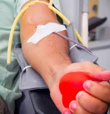 Comissão do Senado aprova meia-entrada para doadores de sangue