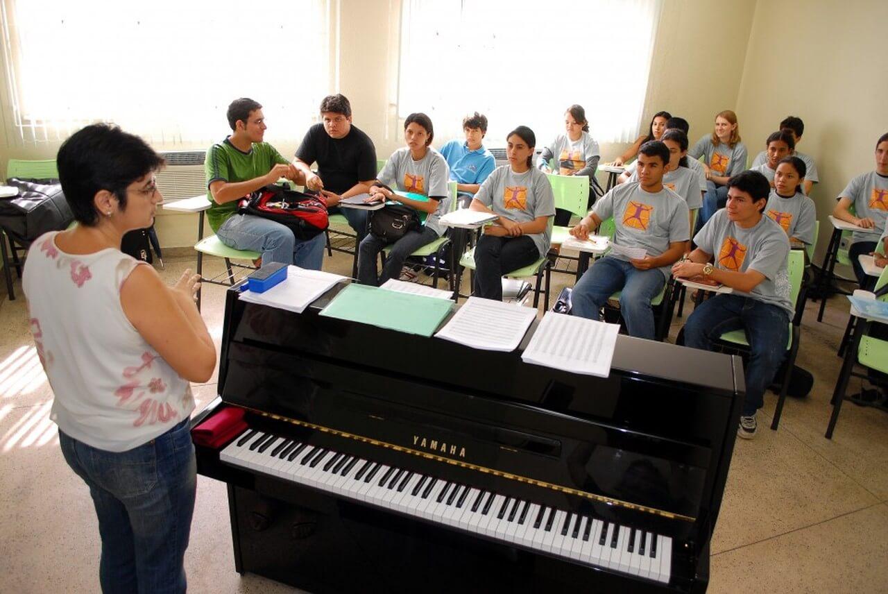 Liceu Claudio Santoro abre inscrição para mais de  1.100 vagas para cursos em Manaus