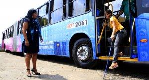 Programa de capacita cobradores e motoristas para melhoria do atendimento em Manaus