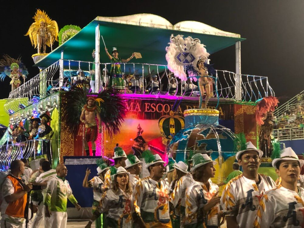 Escola de Samba Reino Unido vence carnaval em Manaus