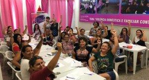 Mulheres vítimas de violência iniciam curso de manicure e pedicure
