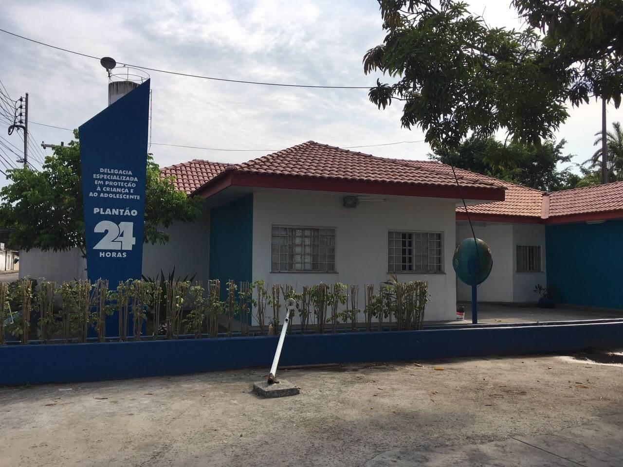 Pai é preso suspeito de tentar asfixiar a filha de 11 anos, em Manaus