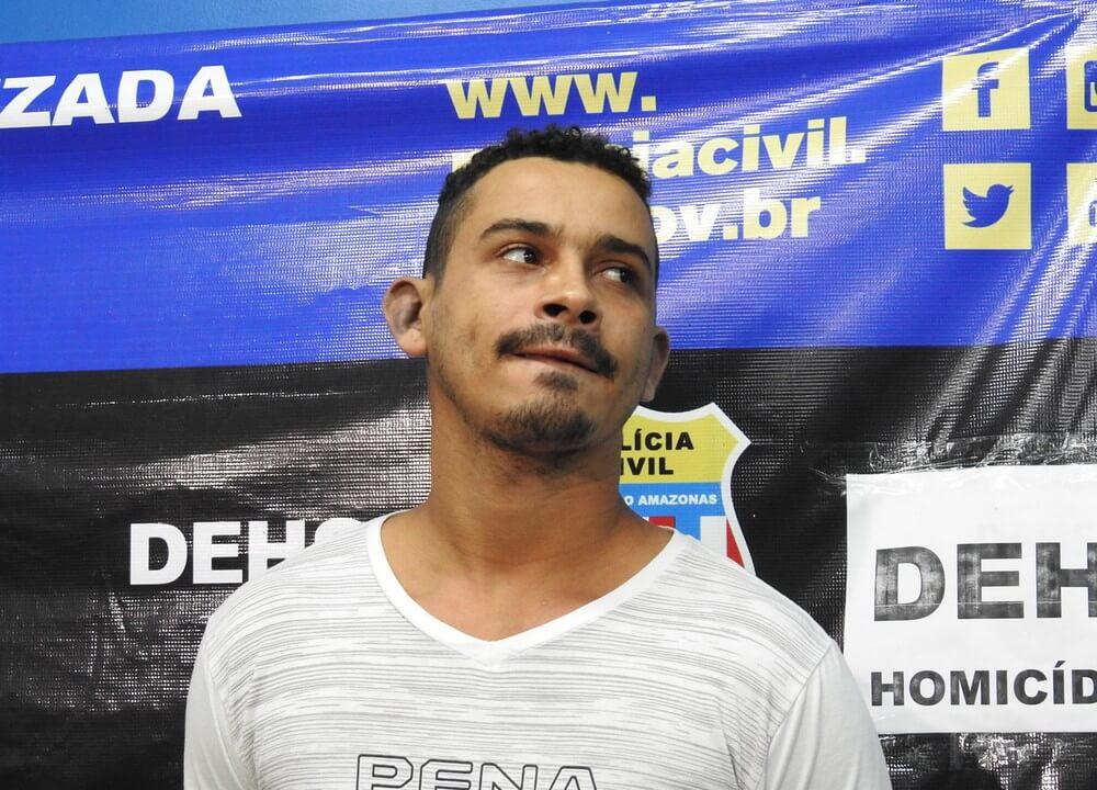 Em Manaus homem é preso após ' Jogar Futebol ' com cabeça de rival.