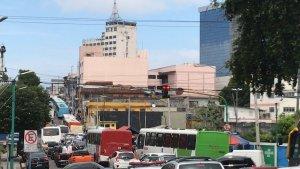 Protestos fecham as principais avenidas de Manaus