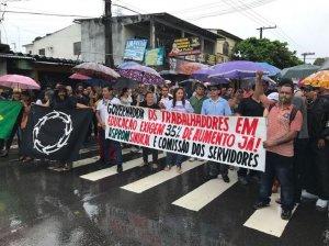 Professores cobram reajuste salarial em manifestações na capital e interior