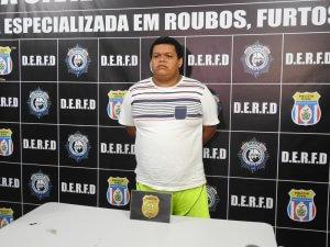 Suspeito de cobrar por vagas de emprego é preso em Manaus