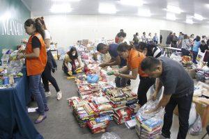 Voluntários relatam furtos de doações a vítimas do incêndio no Educandos