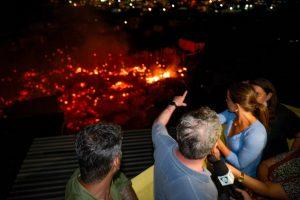 Prefeito visita área atingida por incêndio e anuncia decreto de calamidade pública
