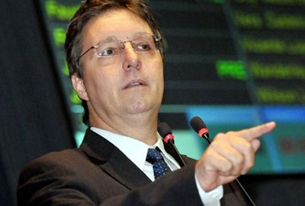 Luiz Castro anuncia sua saída da Seduc-AM