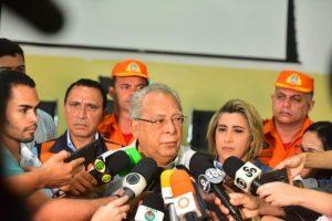 Governo do Amazonas anuncia ajuda humanitária às vítimas do incêndio no Educandos