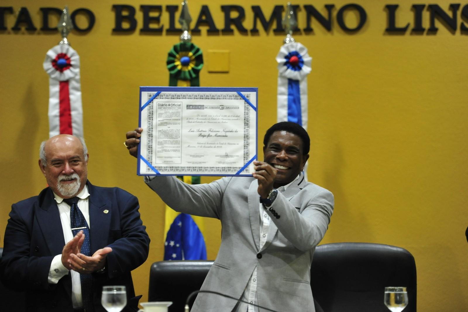Neguinho da Beija-Flor recebe título de Cidadão do Amazonas