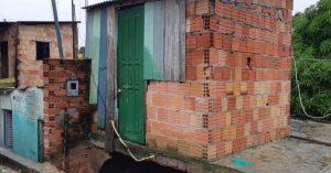 Defesa civil inicia trabalhos com as vítimas das chuvas em Manaus