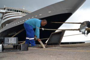 Navios da 'temporada de cruzeiros' são abastecidos pela Águas de Manaus
