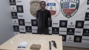 Polícia Civil prende rapaz com simulacros de arma de fogo e cocaína em embarcação