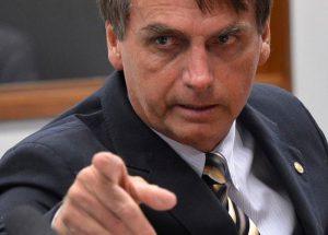 Bolsonaro quer classificar ação do crime organizado como terrorismo