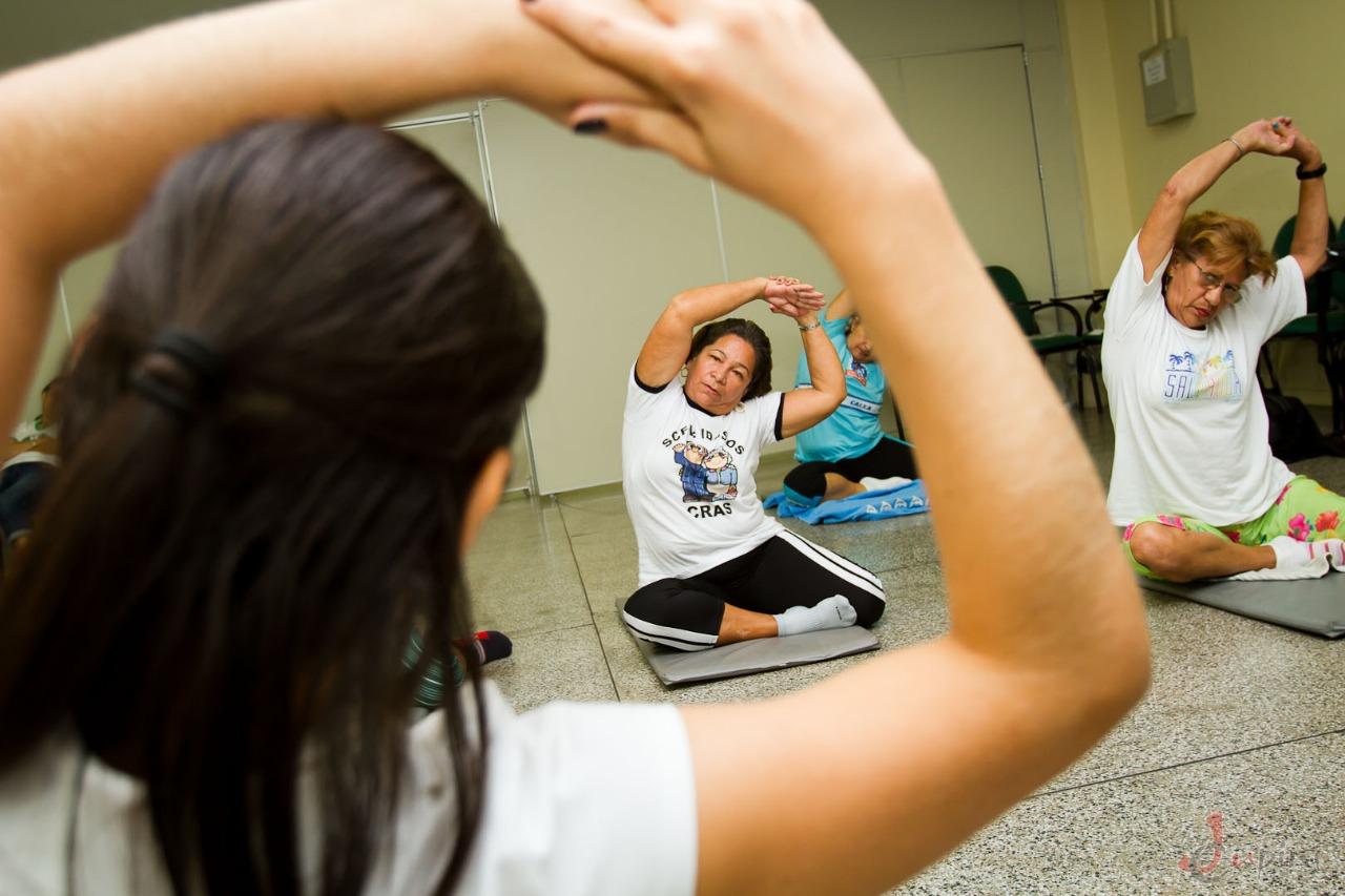 Uea oferece mais de 50 cursos gratuitos para a terceira idade