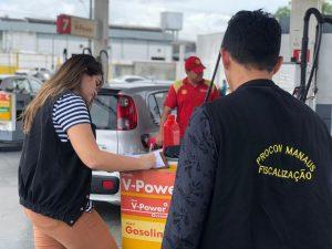 Postos de combustíveis são multados em Manaus