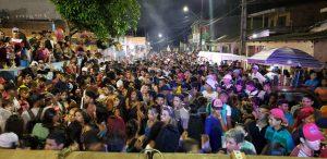 Na zona leste, bloco de carnaval é encerrado por não possuir autorização