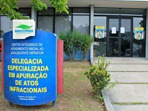 Adolescentes são apreendidos suspeitos de fazerem arrastões em Manaus