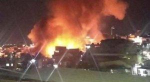 Incêndio de média proporção destrói duas casas no Educandos, em Manaus