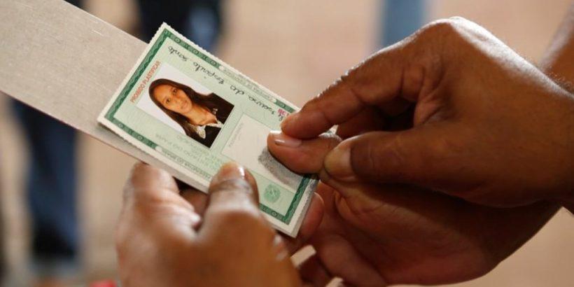 Projeto 'PAC em Movimento' emite mais de 800 documentos básicos em aldeia do AM