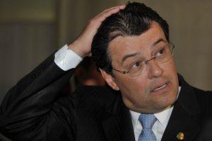 Justiça cassa pensão vitalícia de Eduardo Braga como ex-governador