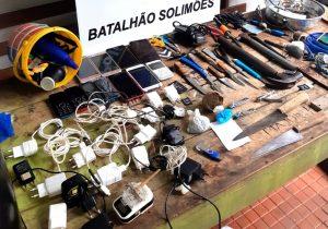Polícia apreende armas, celulares e drogas durante revista em presídio de Tefé, no AM