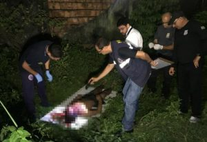 Homem é morto a facadas na Zona Leste de Manaus. Bilhete foi deixado com o cadáver.