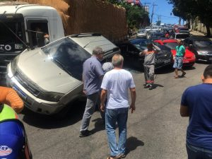 Acidente grave entre 11 veículos deixa feridos na Zona Centro-Sul de Manaus
