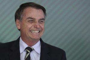 'Missão cumprida', diz Bolsonaro ao chegar de encontro do G20