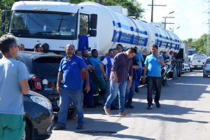 Petrobras reajusta preço do diesel na refinaria, nesta quinta-feira (18)