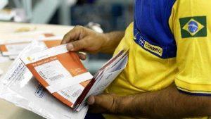Bolsonaro reforça que Correios serão privatizados