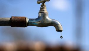 Bairros e conjuntos em Manaus têm fornecimento de água interrompido nesta terça-feira (16); veja lista
