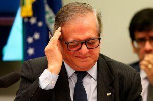 Bolsonaro anuncia saída de Vélez do MEC e novo nome para a pasta