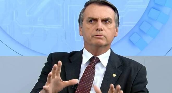 Bolsonaro conversará com Moro sobre vazamentos da Lava Jato