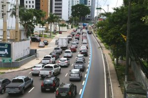 Prefeitura de Manaus libera tráfego na Faixa Azul da Avenida Mário Ypiranga