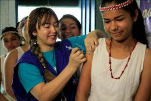 Prefeitura de Manaus leva vacina contra o H1N1 a comunidades indígenas