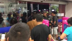 Tentativa de assalto causa pânico e correria no Amazonas Shopping, em Manaus