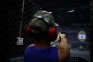 """Decreto de armas foi feito """"no limite da lei"""", afirma Bolsonaro"""