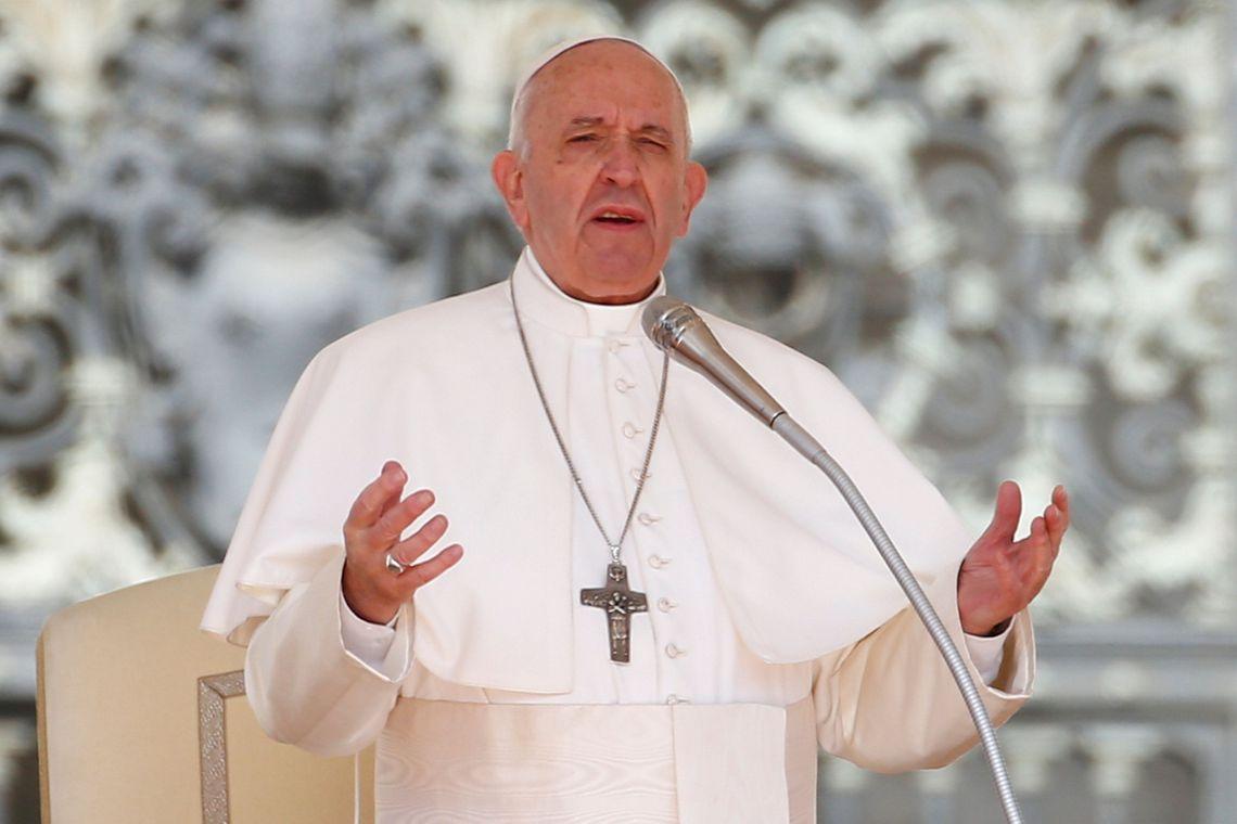 Denúncias de abusos sexuais realizadas por religiosos agora é obrigatório, afirma Papa Francisco
