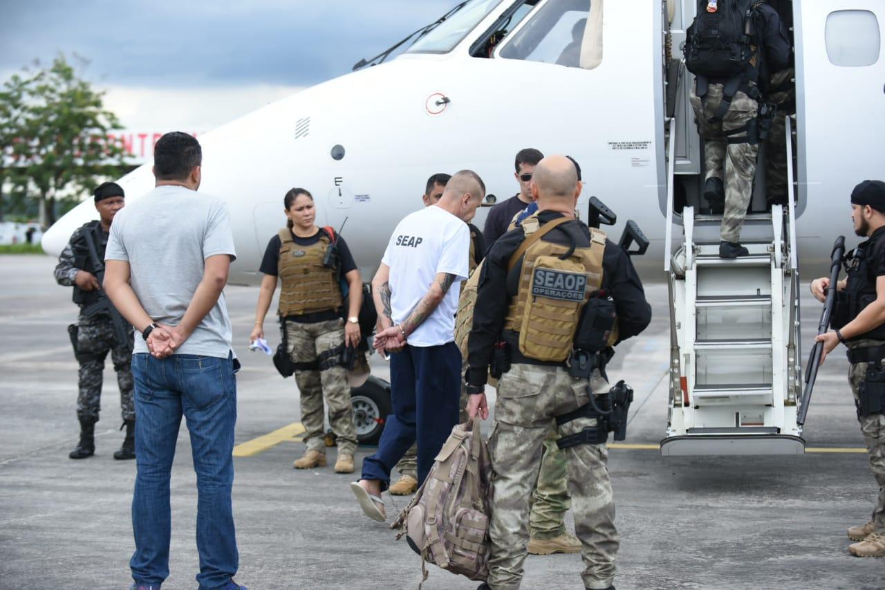 Seap transfere detentos para presídios federais