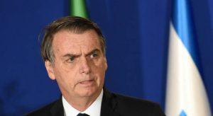 """Bolsonaro diz que País está """"sob nova direção"""""""