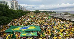 Movimentos sociais organizam manifestação a favor de Bolsonaro, em Manaus