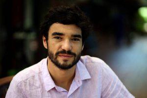 Caio Blat é acusado de assédio; Globo está apurando o caso