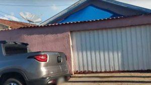 Mãe atropela filha de 2 anos ao sair da garagem