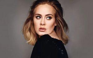 """Cantora Adele procura novo amor em """"Tinder para milionários"""""""