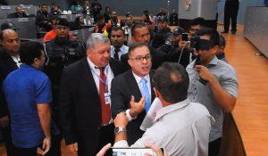 Audiência que regulamenta transporte por Apps termina em confusão em Manaus
