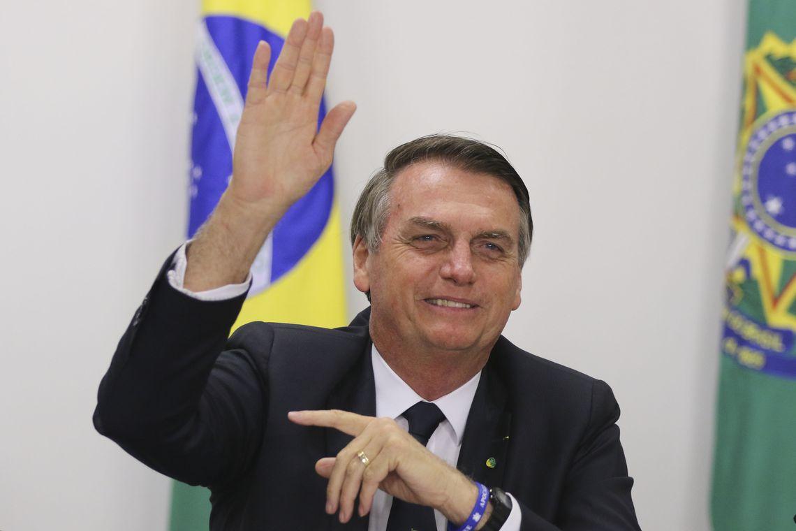Bolsonaro se encontra com Bush no Texas e recebe homenagem